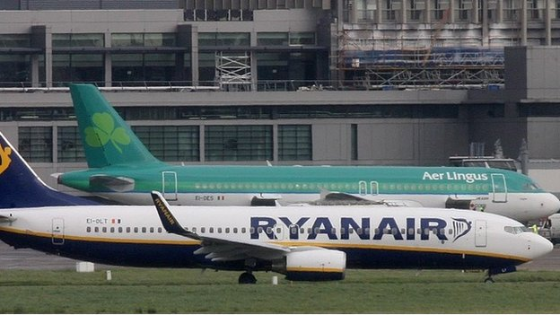 Aer Lingus and Ryanair aircraft