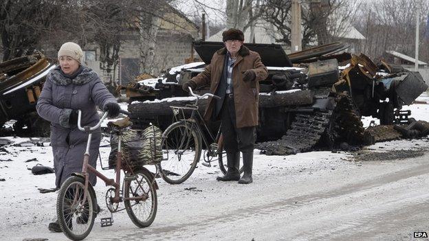 Locals in Vihlehirsk, 19 Feb 15