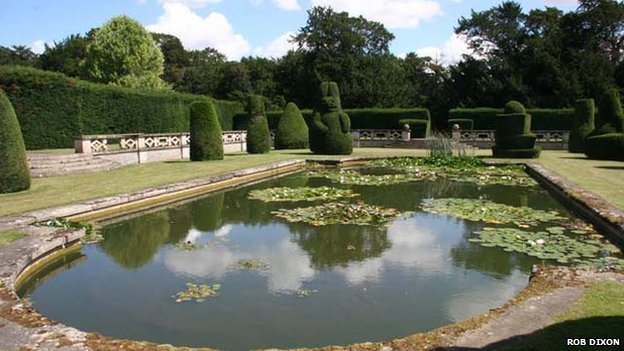 The sunken garden at Apethorpe Hall