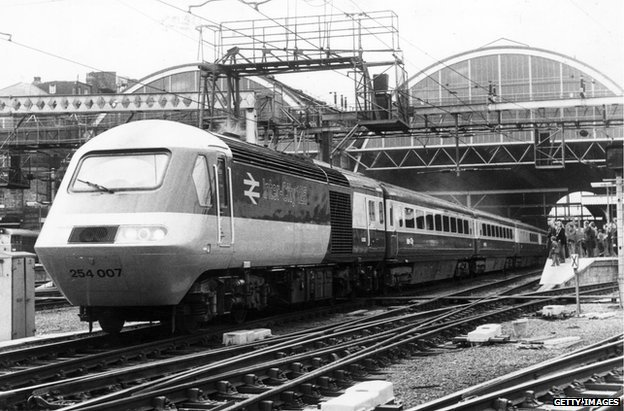 Black and white photograph of an Intercity 125