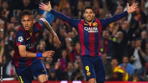 Neymar celebrates scoring against PSG