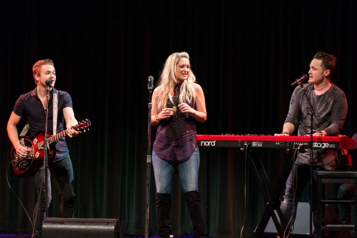 Curtain Call Award with Brandon and Jamelle Fraley (Two Story Road) and Hunter Hayes