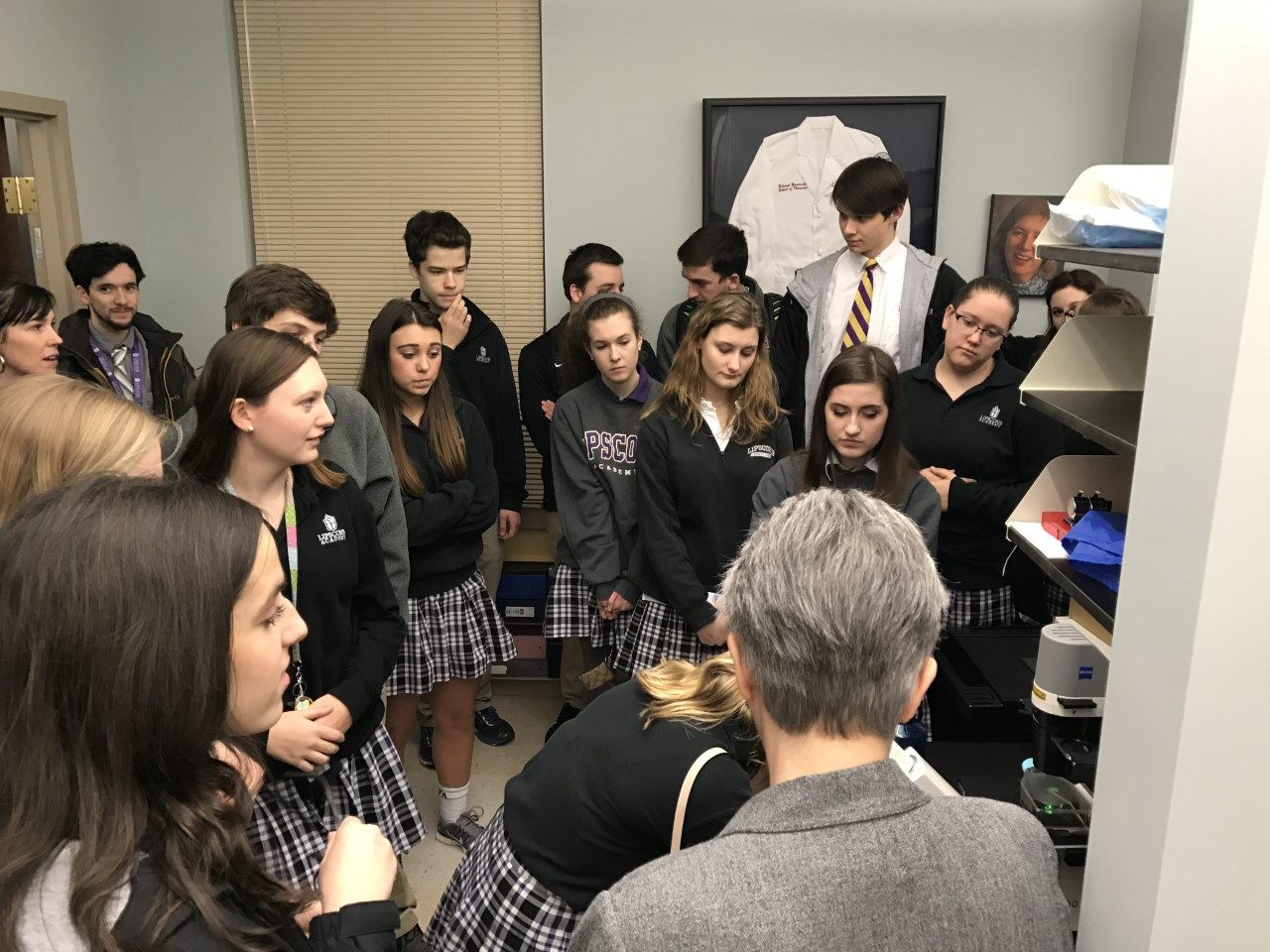 Libscomb Academy students touring Belmont's pharmacy lab