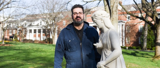 Novak unveils recently restored statue at Belmont on February 10