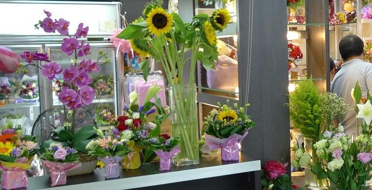 aprire un negozio di fiori - bianco lavoro - Idee Arredamento Negozio Fiori