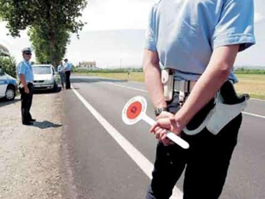 agenti polizia municipale