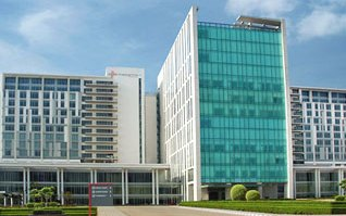 Medanta Medicity Hospital Building Gurgaon