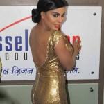 Veena Malik flaunting her back at Supermodel premier