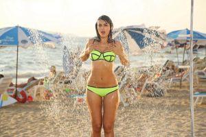 Mandana Karimi poses in Bikini
