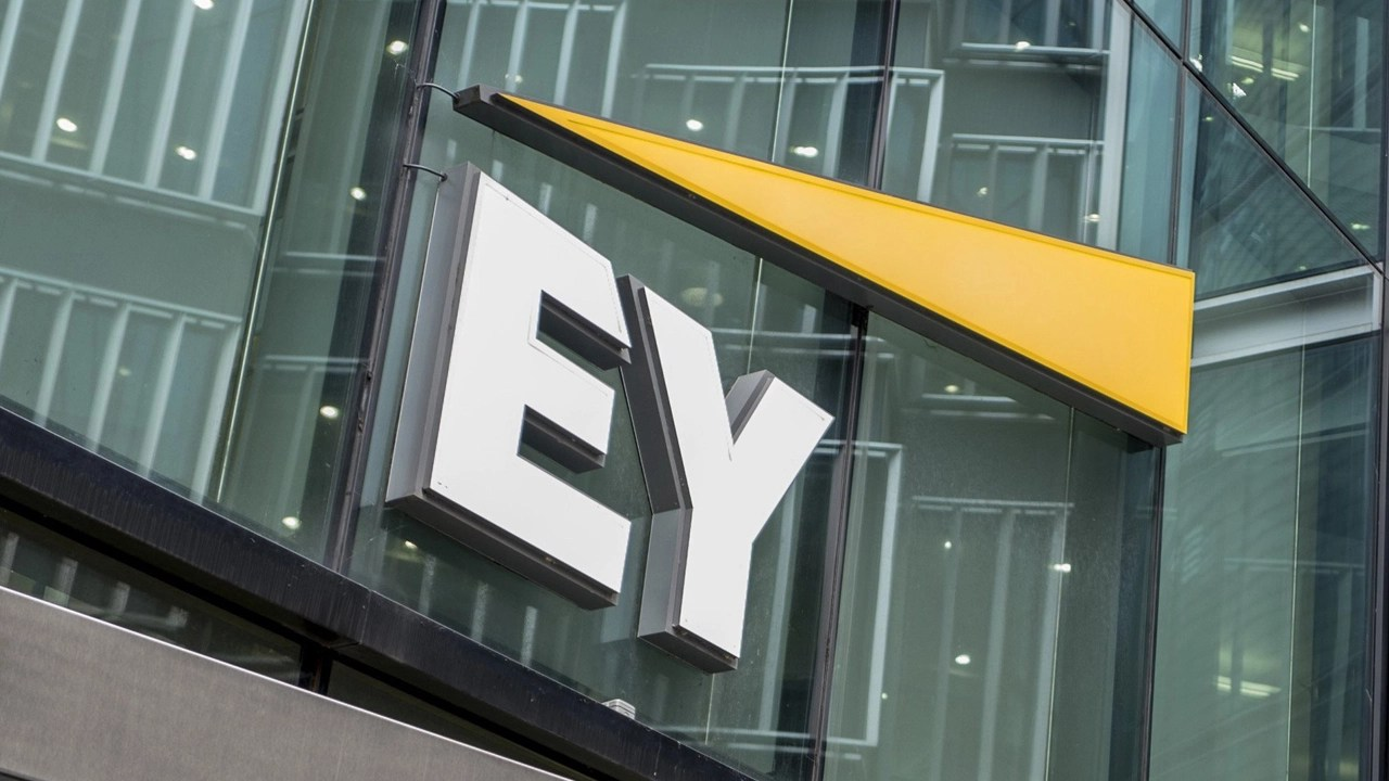 Photo of Ernst & Young Launches Application to Help US Crypto Investors With Tax Filings   Taxes Bitcoin News