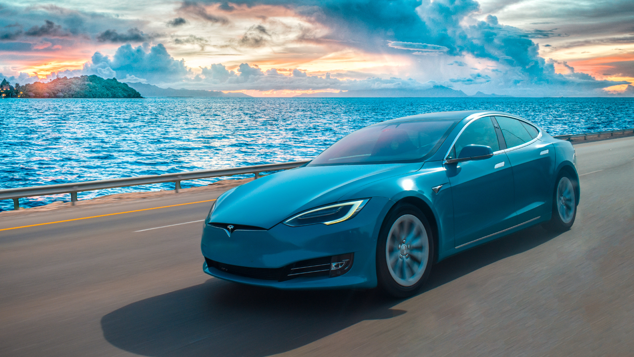 Bitcoin and Tesla: America's Most Loved Assets on Tradingview