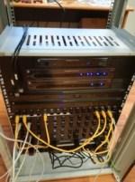 La realizzazione del rack con le apparecchiature di infrastruttura di rete dell'americana Pakedge