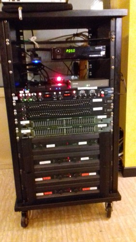 Particolare del rack audio - video