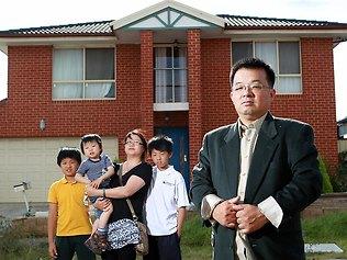 63万房产1000元被拍卖 华人男子状告维州司法长