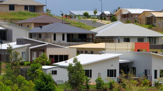 终于有人忍不住说了:阻止中国人在澳买房是种族歧视