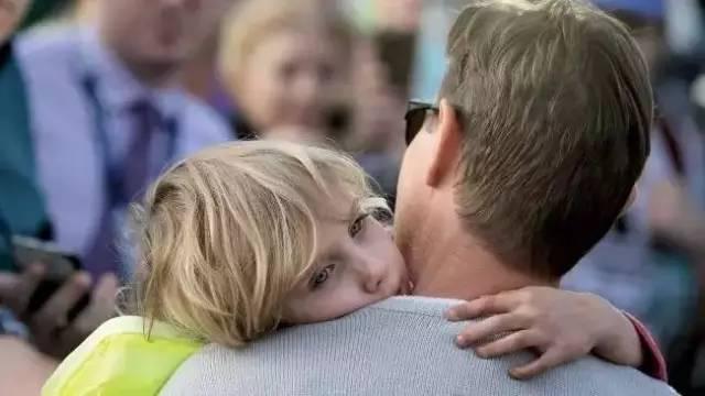 感动澳洲!黄金海岸数千居民参与找寻走失的5岁女孩!