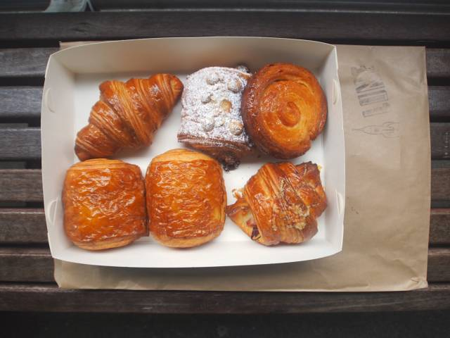I heard that the French specialize in flying planes and come to eat this croissant in Melbourne even over half the world.