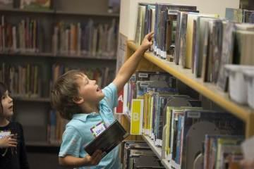 Upper School Mentors Help Readers Thrive