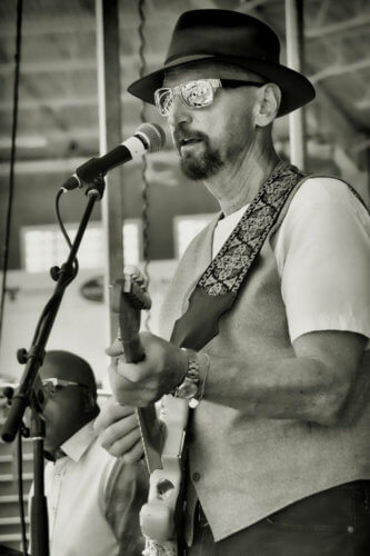 Chris Daniels performing in 2017