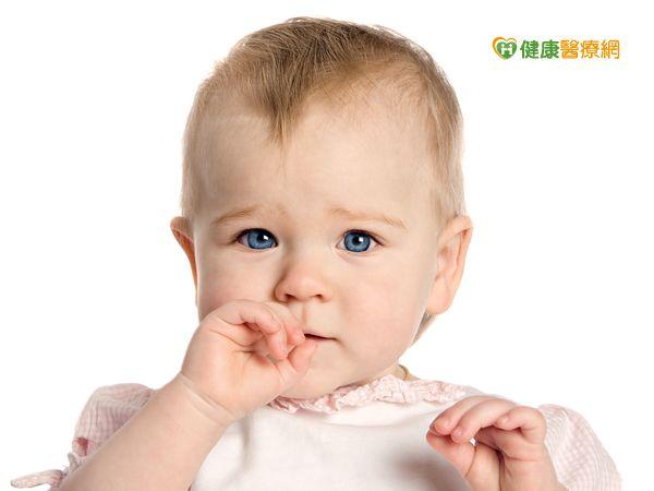 寶寶長牙了! 及早口腔清潔預防蛀牙 | 早安健康NEWS