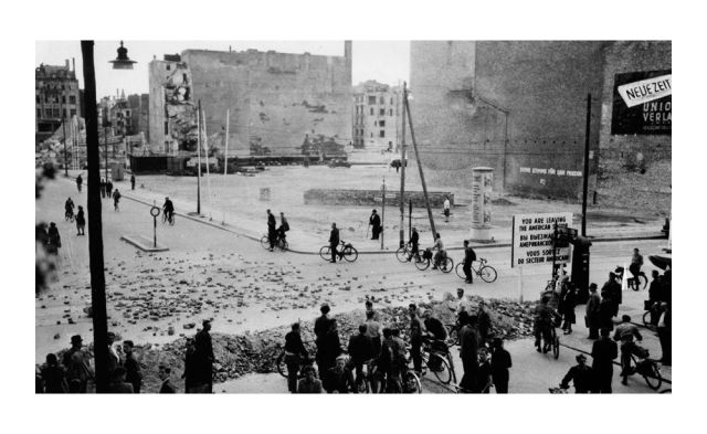A road block at the border to East-Berlin, Friedrichstrasse, Zimmerstrasse.