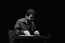Tamer Pinarbasi playing a kanun
