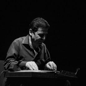Tamer Pinarbasi playing a kanun