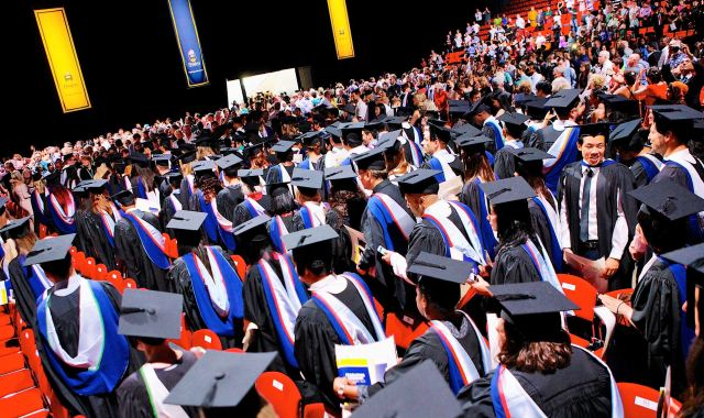Flinders graduate outcomes on the rise: report – News