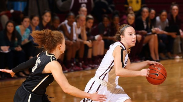Women's Basketball Downed at Duquesne, 55-40