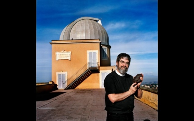 Guy Consolmagno, S.J.in front of Vatican Observatory