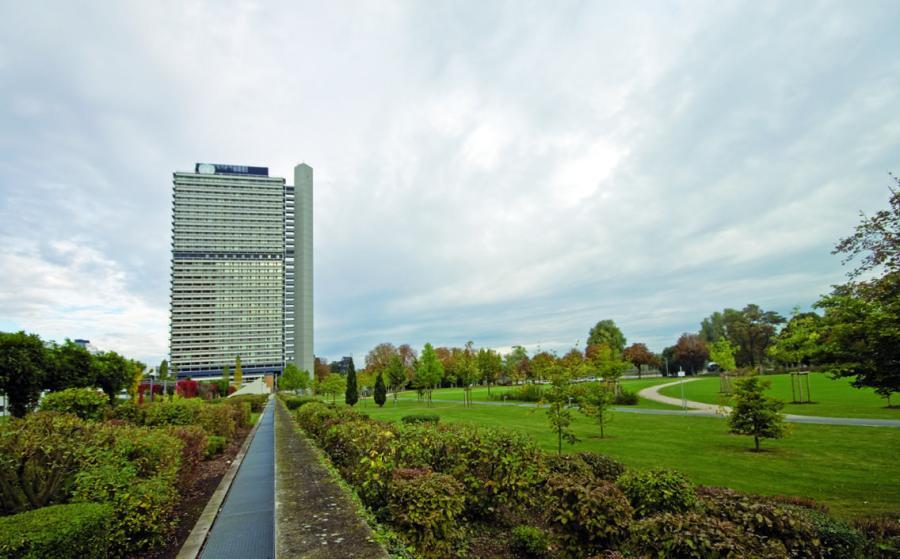 Langer Eugen, the former German parliament building, now home to 20 U.N. organizations. David Kasparek, Flickr