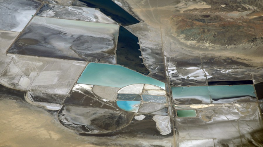 A lithium mine in Nevada, U.S.A. Doc Searls, Flickr