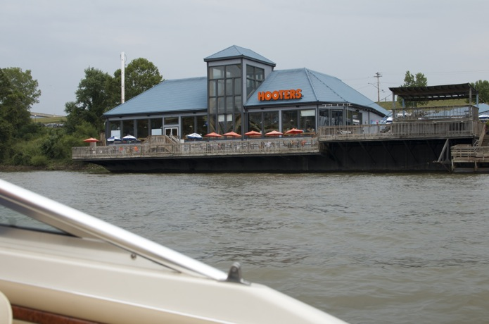 Ohio River Hooters