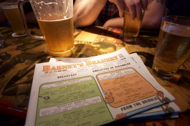 Barney's Beanery_West Hollywood_03