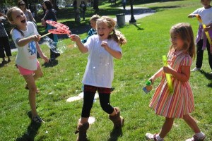 New Playdate in the Park Event Unites and Reunites Lower School Families