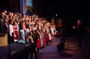 Lower School Singers Greeted the Holiday Season