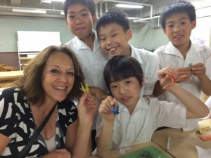 Middle School Students Travel to Tamagawa to Reunite with Japanese Buddies