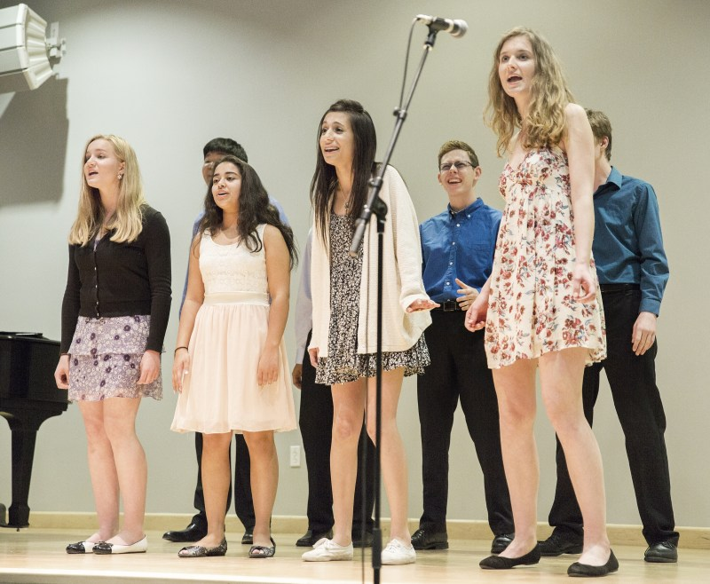 Upper School Choral Concert Features Spanish Songs and Modern Favorites