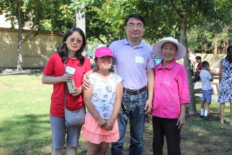 Preschool and Lower School Families Enjoy Leisurely Afternoon at Playdate in the Park