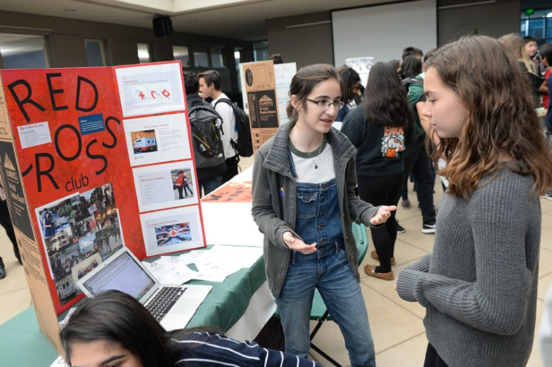 Service Fair provides volunteer opportunities to upper school students