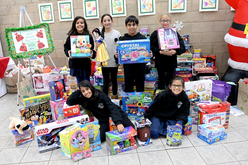 Grade 4 toy drive delivers more than 400 toys to families in need