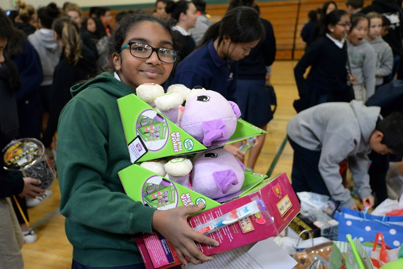 Middle schoolers provide more than 400 gifts to Family Giving Tree