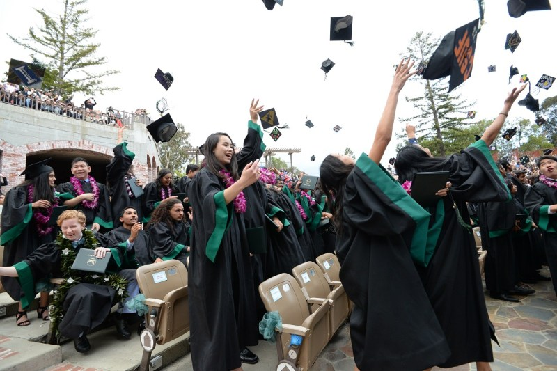 Seniors take final steps as Harker students at moving ceremony