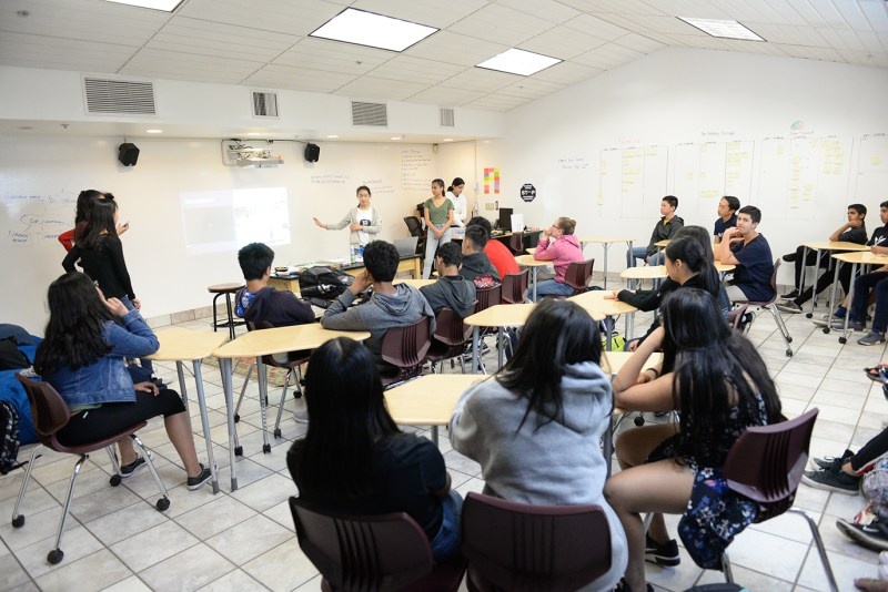"Business & entrepreneurship program facets explained to freshmen in ""Crash Course"""