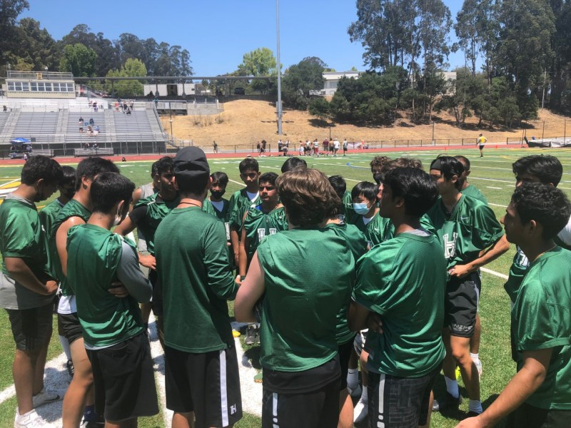 Football players take second in 7v7 passing tournament