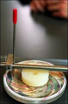 Lu's etching machine