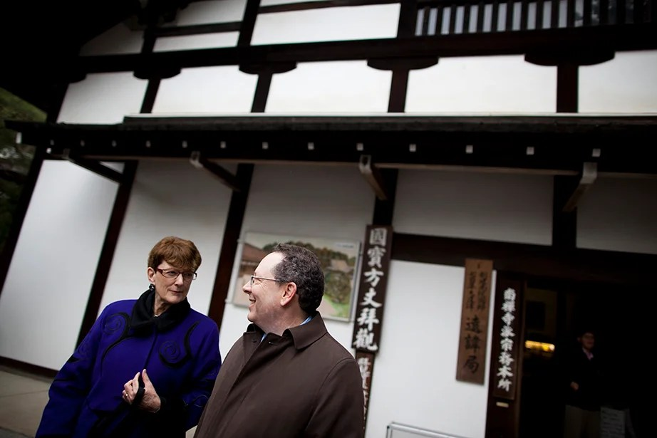 Harvard professors Susan Pharr (left) and Andrew Gordon take a cultural exploration of the shrines and temples of Kyoto.