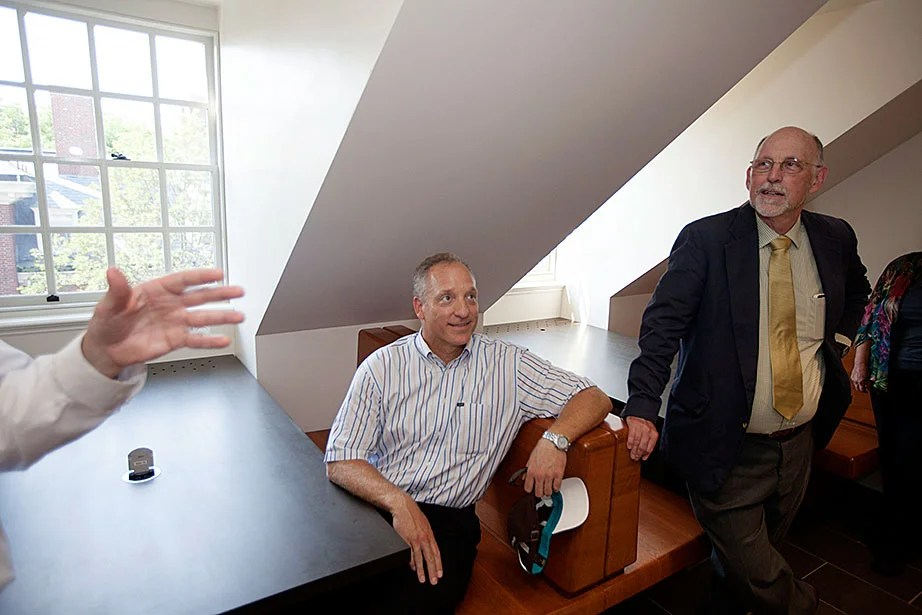 Faculty of Arts and Sciences Dean Michael D. Smith and Harvard College interim Dean Donald Pfister in newly created study alcove.