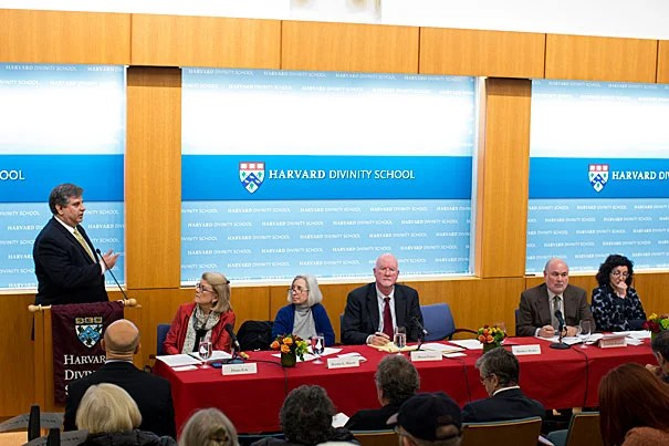 Matthew Hodes, director of the United Nations Alliance of Civilizations, speaks at a Harvard Divinity School-sponsored event exploring how universities can help create interreligious dialogues, collaboration, and peacemaking.