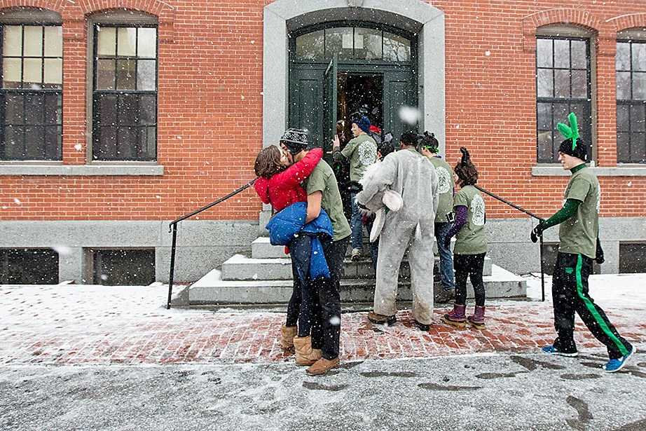 After delivering House assignments to freshmen, Leverett residents share a romantic moment. Rose Lincoln/Harvard Staff Photographer